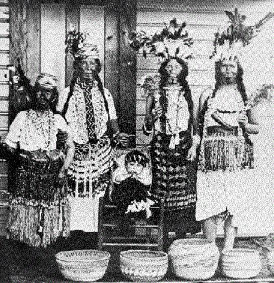 siuslaw women.jpg